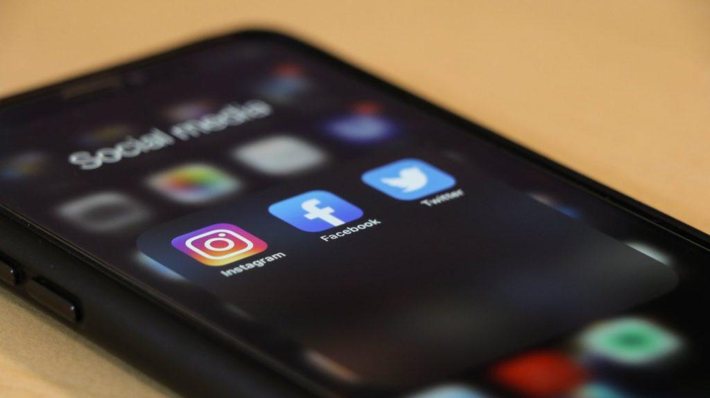 réseaux sociaux Unsplash